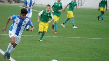 Toni Mas, un joven futbolista hispanocubano que desea representar a Cuba. Foto: Antonio Fernández/ Deporte Balear.