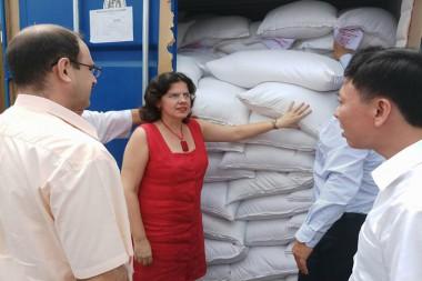 Dona Vietnam cinco mil toneladas de arroz a Cuba