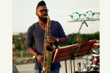 saxofonista cubano Michel Herrera