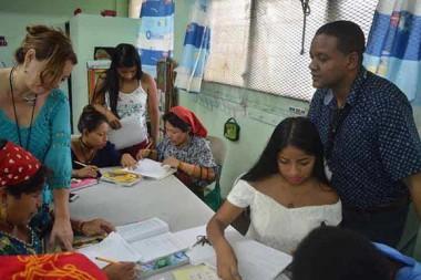 """Más de 72 mil panameños han sido alfabetizados gracias al """"Yo sí puedo"""". Foto: Prensa Latina."""