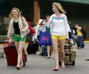 turistas en cuba1 300x250